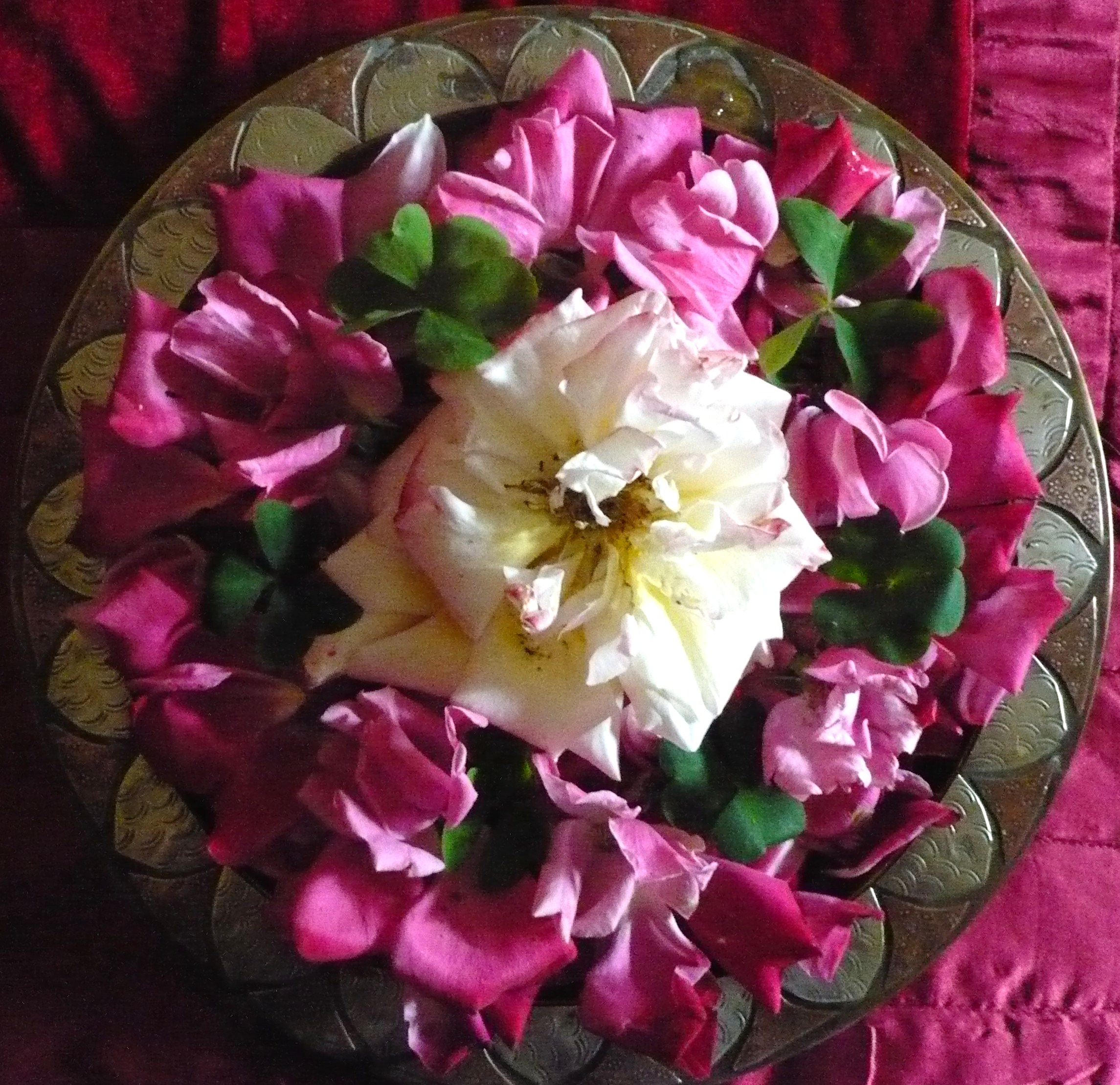 mandala-de-roses-rouges-anniversaire-dadrien-002.JPG